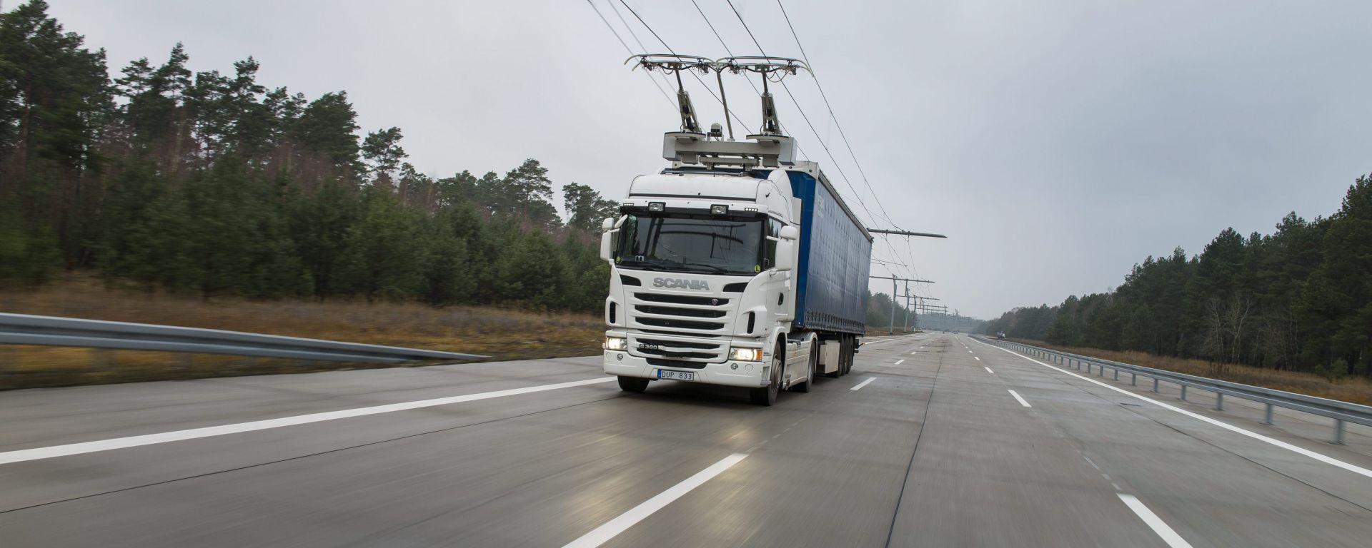Scania e Siemens: l'autostrada elettrica per mezzi pesanti costruita in Svezia