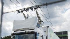 Scania e Siemens, l'autostrada elettrica per mezzi pesanti: dettaglio del pantografo