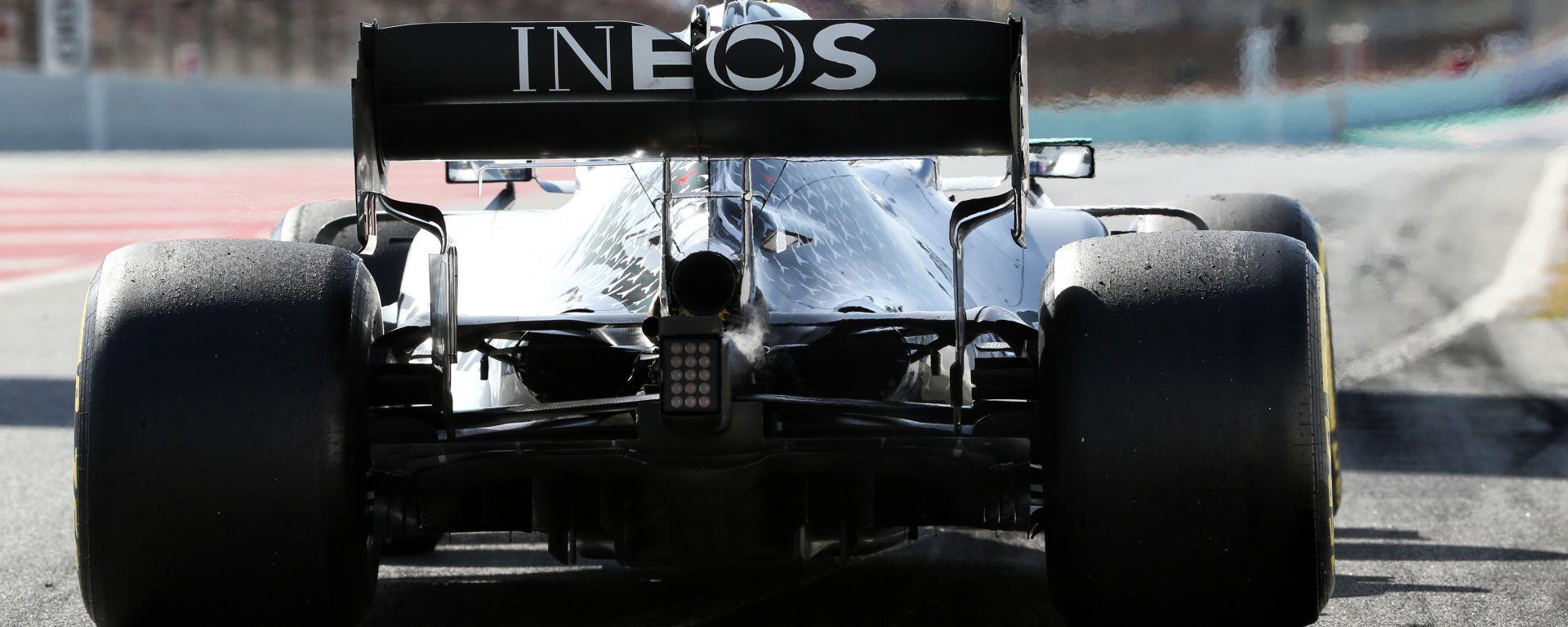 Red Bull denuncia Mercedes per una componente irregolare