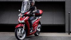 Scooter a ruote alte: l'Honda SH 125 in città