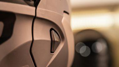 Scorpion Covert-X: il meccanismo di sgancio della visiera