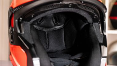 Scorpion EXO 930: gli interni sono realizzati in tessuto Kwickwick 2
