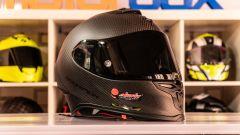 Scorpion Exo R1 Carbon Air: l'unboxing del casco racing in carbonio - Immagine: 1