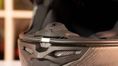 Scorpion Exo R1 Carbon Air: l'unboxing del casco racing in carbonio - Immagine: 7