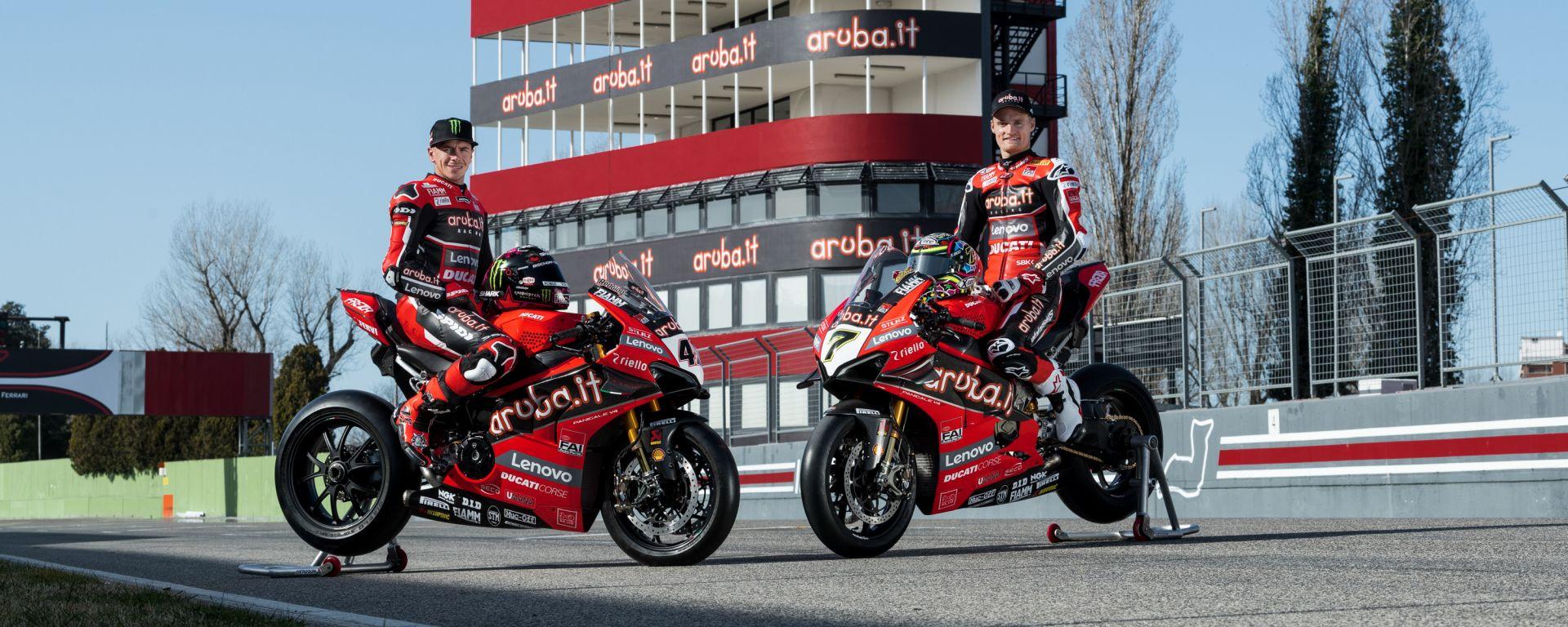 Scott Redding e Chaz Davies, team Ducati Aruba.it con la nuova torre Aruba.it
