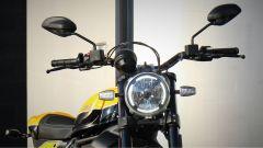Scrambler Ducati Full Throttle: dettaglio del frontale