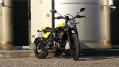 Scrambler Ducati Full Throttle: vista 3/4 anteriore