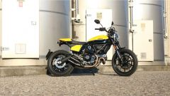 Scrambler Ducati Full Throttle: vista lato destro