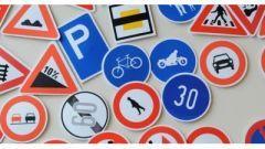 Scuola guida: i cartelli stradali