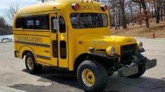 Tuning: all'asta scuolabus dei Simpson con motore V8 Hellcat