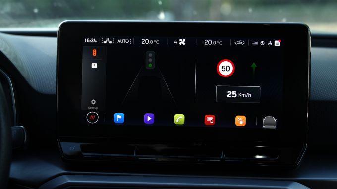 Seat e l'app anti-semaforo, i messaggi appaiono sul display di bordo