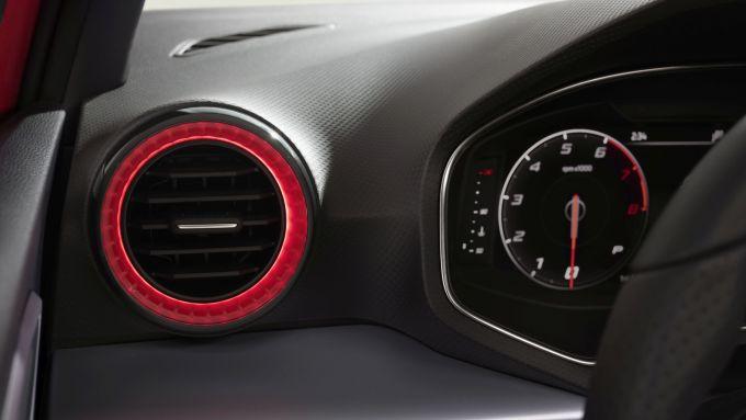 Seat Ibiza 2021: le bocchette dell'aria laterali illuminate