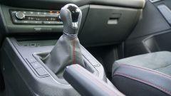 Seat Ibiza FR TGI: dettaglio leva del cambio