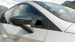 Seat Leon 1.4 Tgi DSG Connect: lo specchio ha una colorazione specifica per questa versione