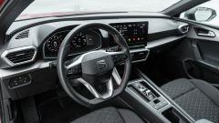Seat Leon 1.5 eTSI DSG FR, gli interni
