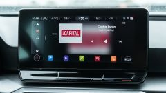 Seat Leon 1.5 eTSI DSG FR, lo schermo dell'infotainment