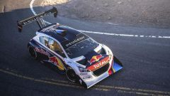 Sebastian Loeb si regala la Peugeot 208 T16 Pike's Peak 2013