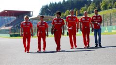 Sebastian Vettel e gli uomini della Scuderia Ferrari - GP Belgio