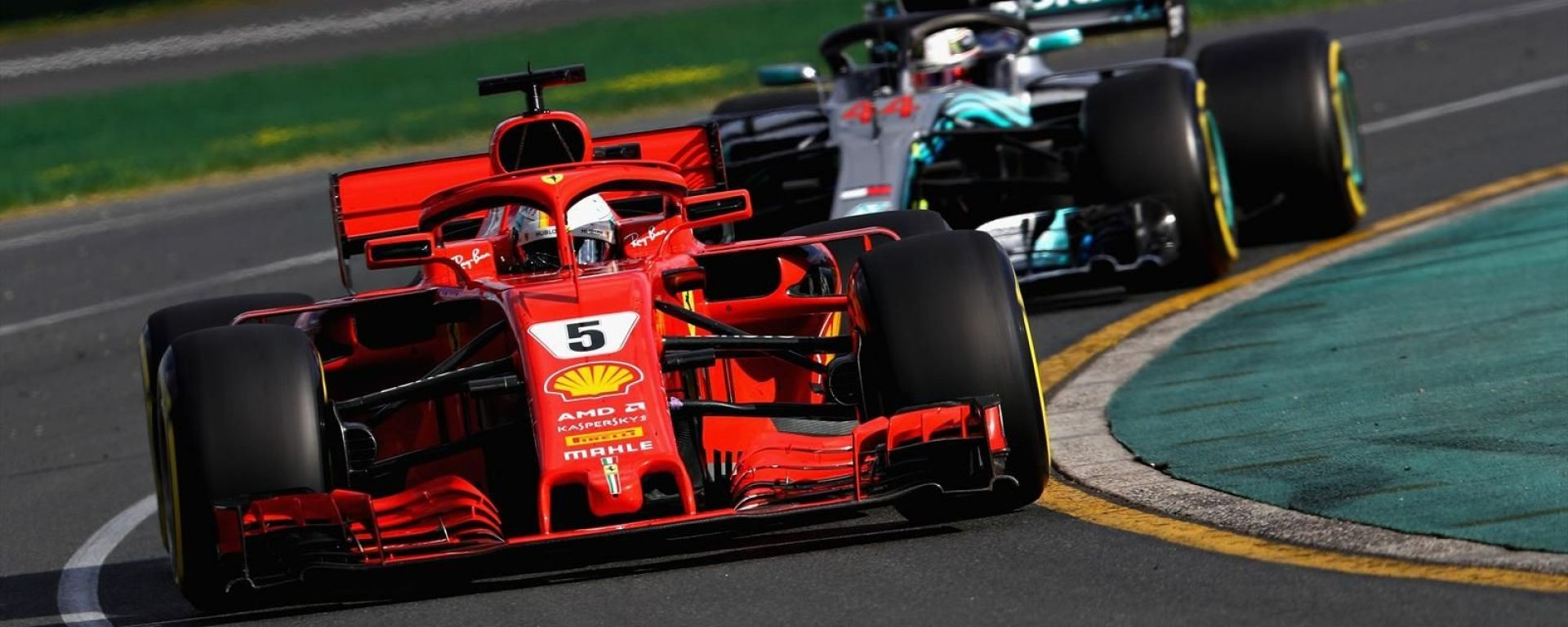 Sebastian Vettel e Lewis Hamilton