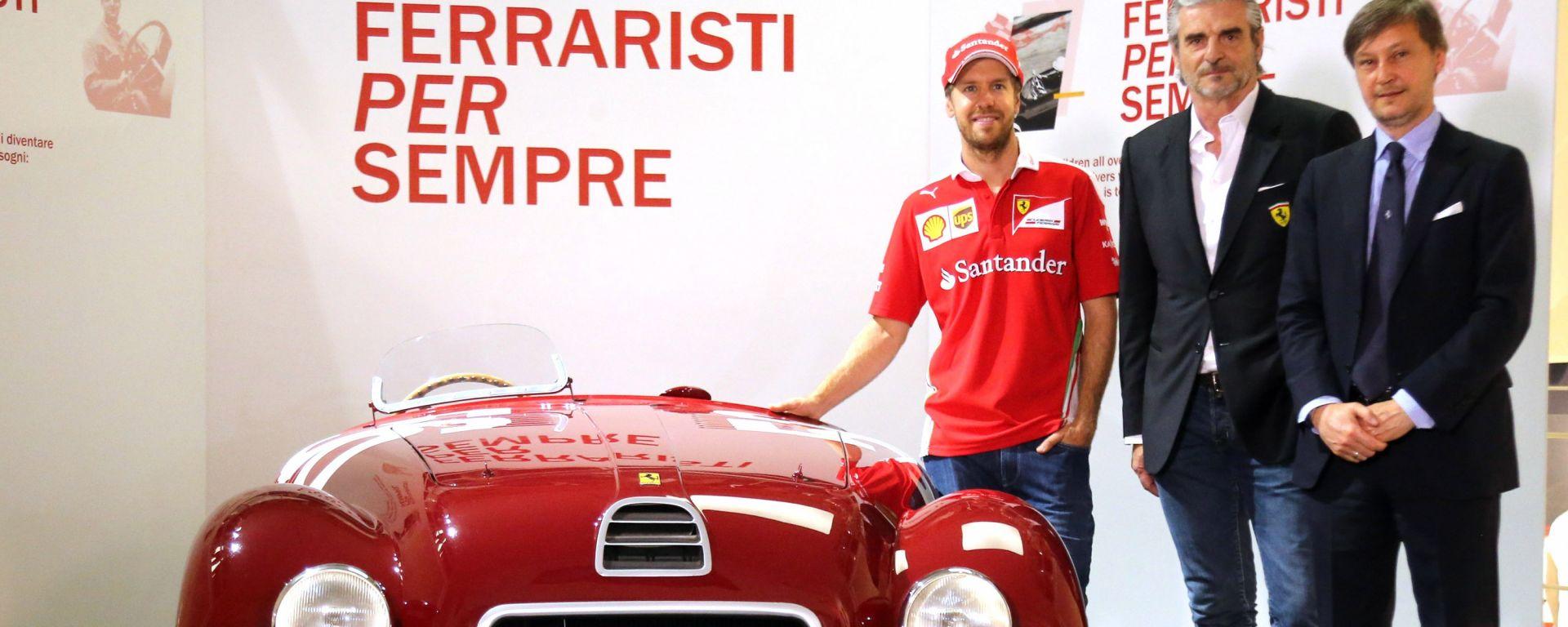 Ferrari: Sebastian Vettel alla mostra Ferraristi per Sempre