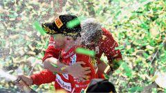 Sebastian Vettel festeggia sul gradino più alto del podio - F1 GP Australia