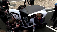 Sebastian Vettel guida la Twizy Renault Sport F1 - Immagine: 11