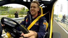 Sebastian Vettel guida la Twizy Renault Sport F1 - Immagine: 1