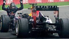 Sebastian Vettel - standing ovation alla Red Bull RB9 (2013)