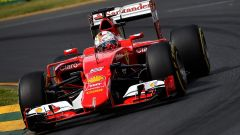 Sebastian Vettel sulla sua Ferrari numero 5