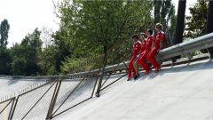 Sebastian Vettel sulla vecchia Parabolica
