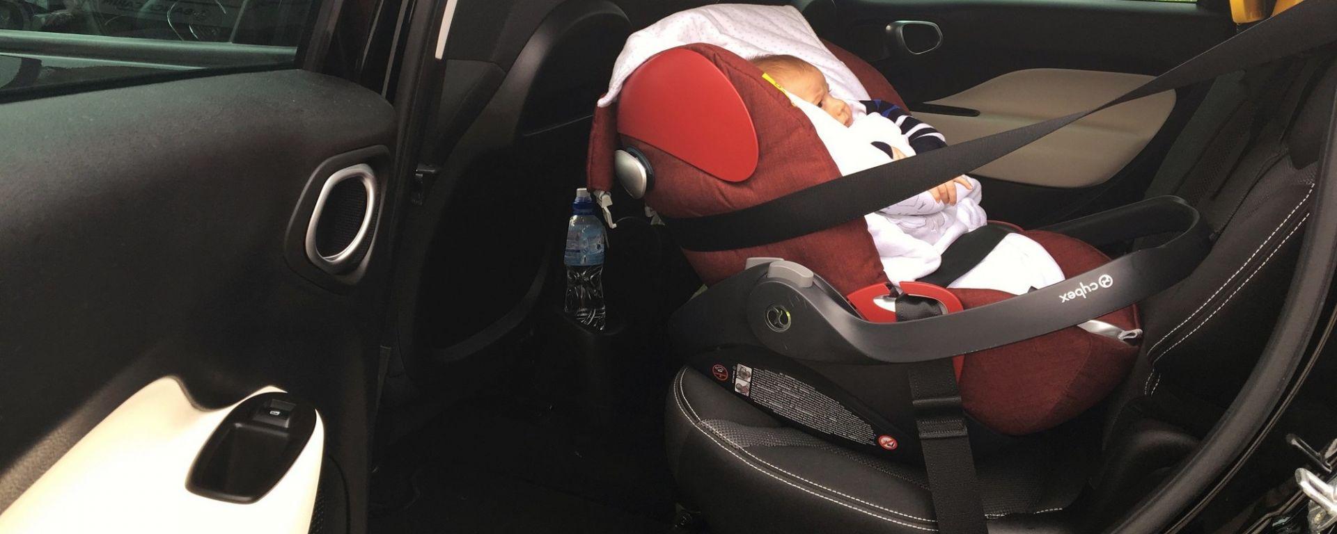 Seggiolini auto per bambini, istruzioni per l'uso