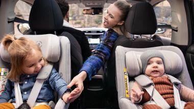 Seggiolini in auto: come si classificano i diversi seggiolini