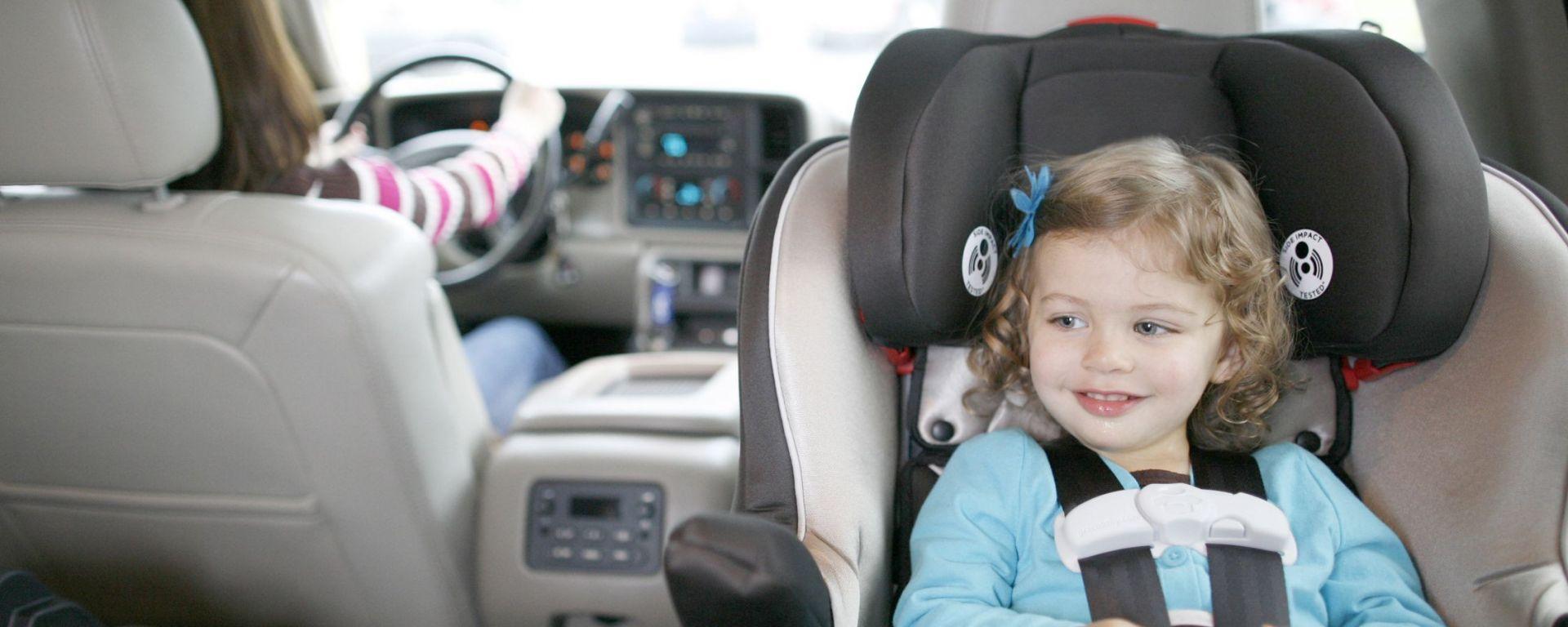Seggiolini in auto: la guida completa
