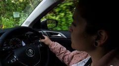 Segnaletica stradale: il volante a destra