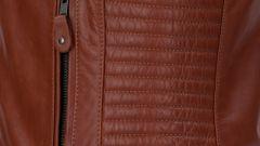 Segura: la giacca Gomore riporta in strada l'iconica Perfecto - Immagine: 9