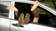 Sesso in auto: quando è illecito, quando è reato, cosa si rischia