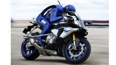 Valentino Rossi in pista contro Motobot, robot motociclista - Immagine: 3