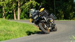 Sfida Maxi Enduro 2021: BMW R 1250 GS 2021 in piega