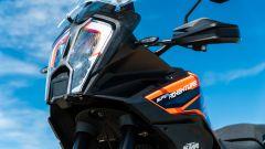 Sfida Maxi Enduro 2021: KTM 1290 Super Adventure S, frontale con radar per ACC