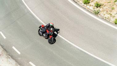 Sfida Naked medie: Ducati Monster + dall'alto