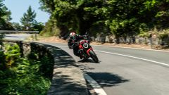 Ducati Monster 950: vale la pena? Prova, pregi, difetti e prezzo