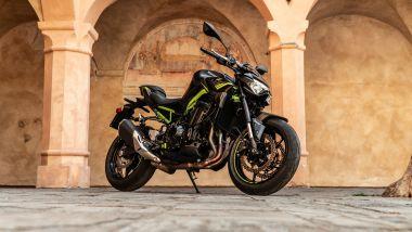 Sfida Naked medie: Kawasaki Z900 2021, 3/4 anteriore