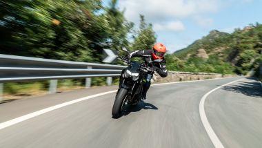 Sfida Naked medie: Kawasaki Z900 2021, in azione sul Passo del Bracco