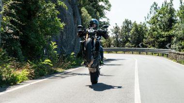 Sfida Naked medie: Yamaha MT-09 SP 2021, i monoruota sono una caratteristica tipica