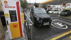 Shell, colonnine di ricarica con BMW, Volkswagen, Mercedes e Ford