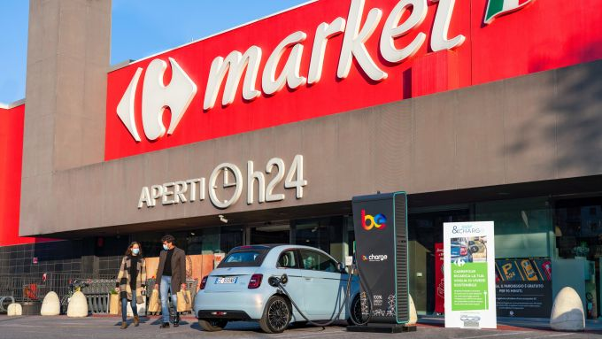Shop & Charge, 250 colonnine nei punti Carrefour