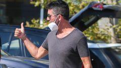 Simon Cowell: fotografato in pubblico dopo l'incidente con la e-bike