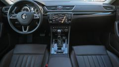 Skoda, come va la Superb 2.0 TDI Laurin&Klement DSG 4x4, l'abitacolo
