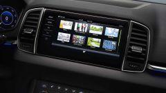 Škoda Karoq, l'infotainmet supporta Apple CarPlay, Android Auto e Mirrorlink