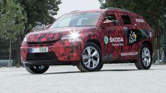 Skoda Kodiaq con inedita livrea camouflage rossa, grigia e nera